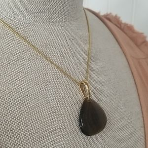 """Gold Tone  """"Tigers Eye"""" Pendant Necklace"""